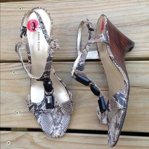 9 Anne Klein Snake Leather Heels Gem Sandals Shoes